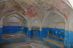تخریب حمام قاجاری محمودآباد توسط میراث فرهنگی!